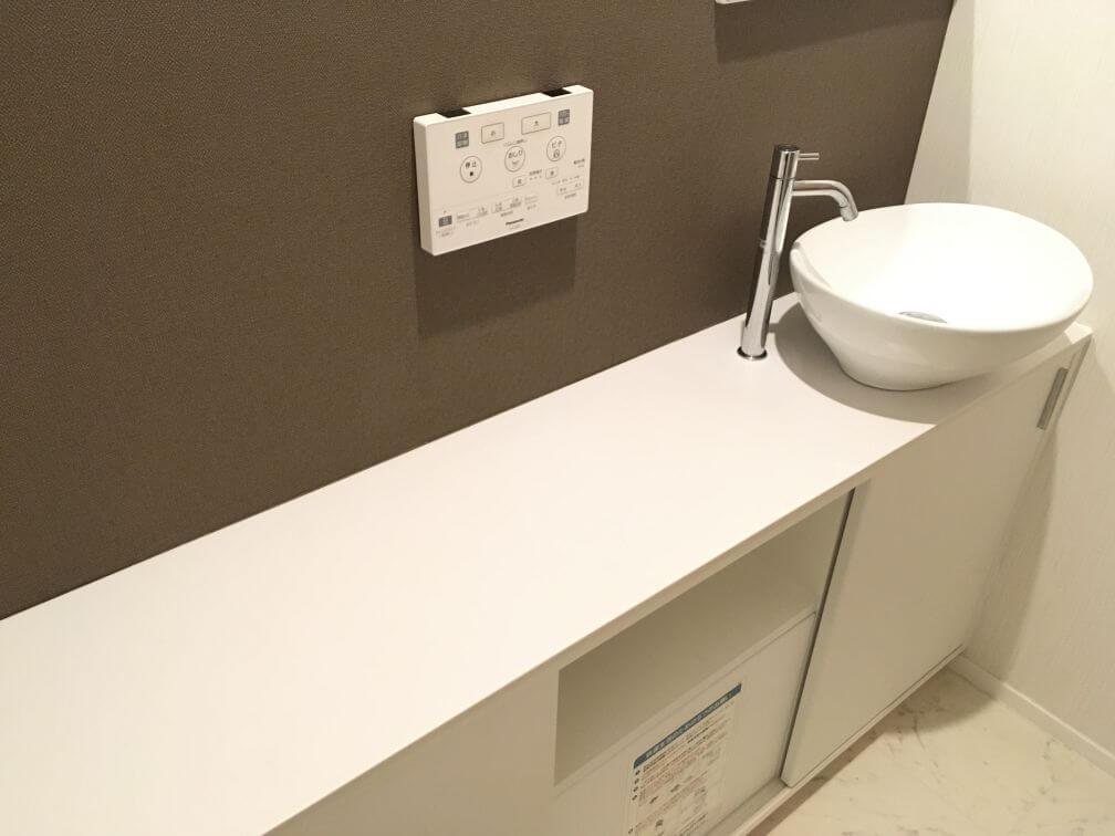 一条オリジナル手洗い器付きトイレカウンター