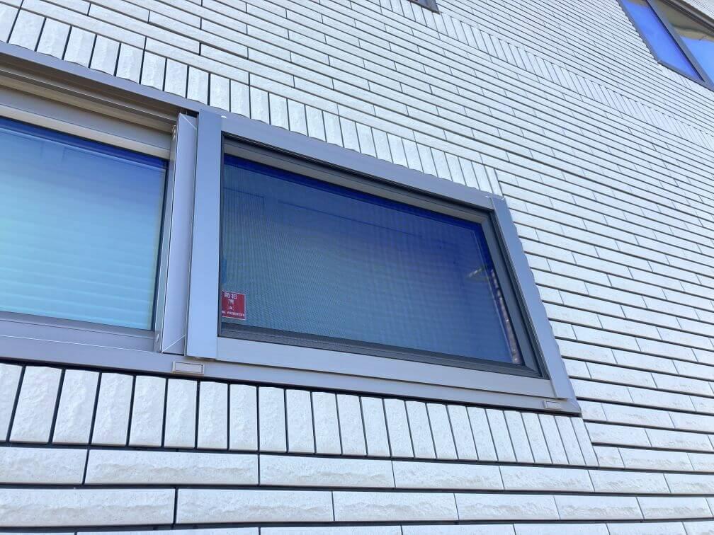 開き窓・引き違い窓